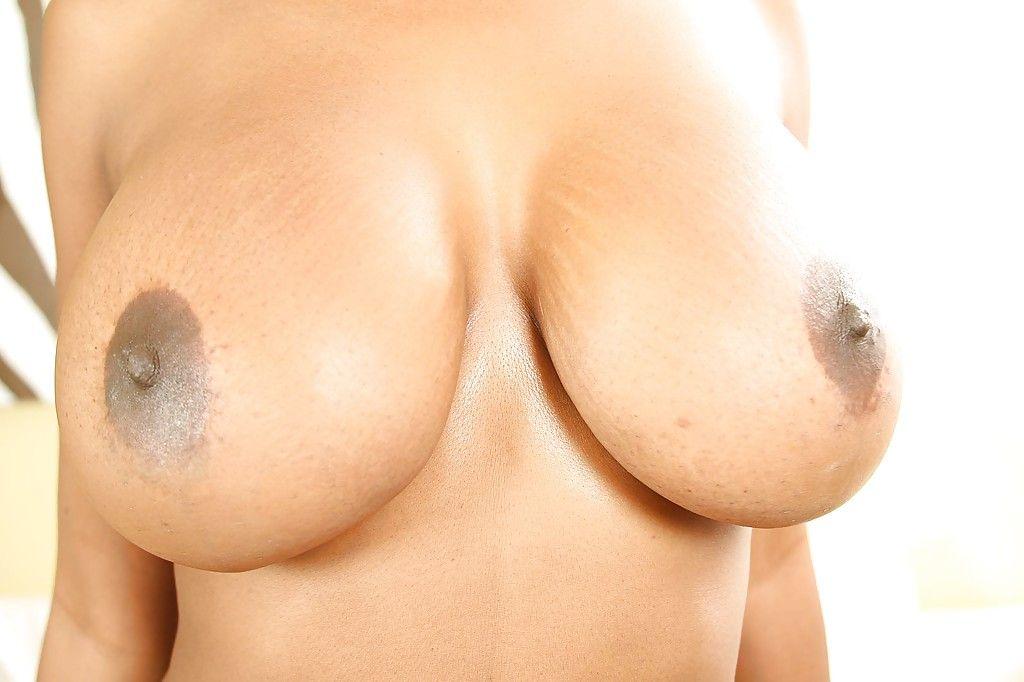 Fotos de mulata pelada gostosa se exibindo