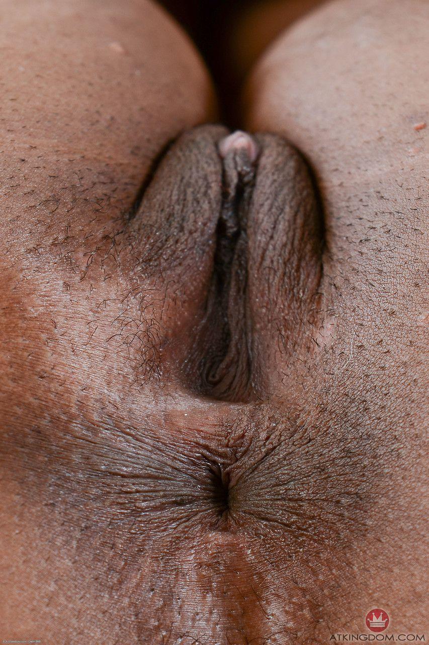 Pornogram fotos de negra pelada mostrando a bucetona greluda